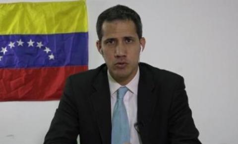 Guaidó diz ter apoio de militares contra Maduro e chama população às ruas