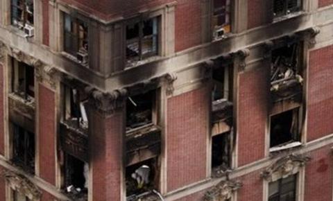 Seis pessoas, incluindo quatro crianças, morrem durante incêndio de prédio em NY