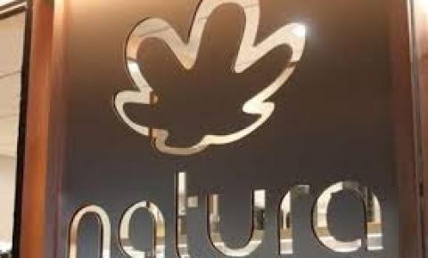 Natura anuncia compra de Avon e se torna a quarta maior empresa do setor