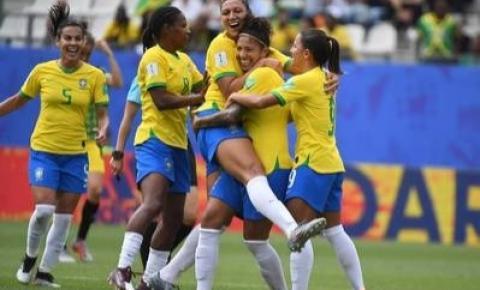 Com 3 gols de Cristiane, Brasil vence Jamaica na estreia do Mundial Feminino