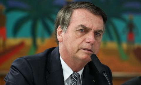 Bolsonaro diz no Twitter que efeito do desgoverno de quadrilha ainda é sentido