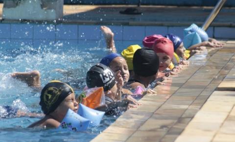 Sumaré oferece aulas gratuitas de natação