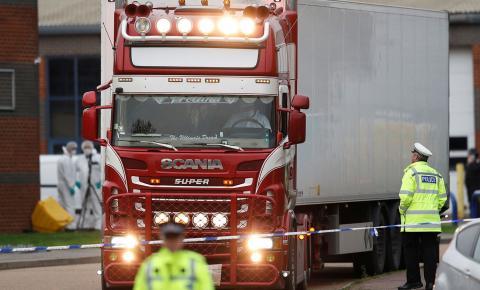 Mortos encontrados em caminhão no Reino Unido eram todos chineses