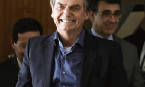 Fim da estabilidade valerá para novos servidores, diz Bolsonaro