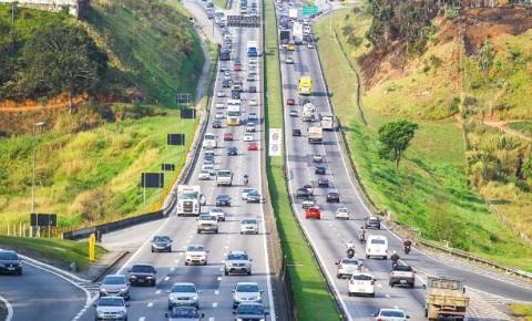 Estradas paulistas recebem 4 milhões de veículos no feriado