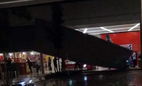 Estrutura do Shopping de Sumaré cai durante chuva