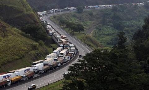 Situação está sob controle, diz ministro, sobre caminhoneiros