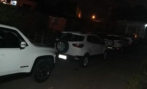 Homens roubam carros em concessionária de Americana e fazem funcionários reféns