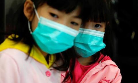 """Se situação complicar, as escolas podem fechar"""", diz ministro da Saúde"""