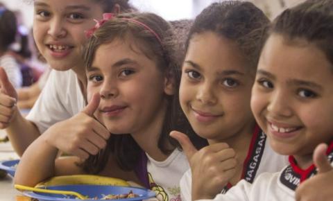 Merenda em casa: estudantes de escolas estaduais receberão R$ 55 para comer