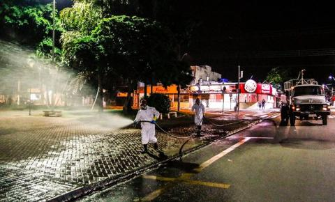 Santa Bárbara realiza desinfecção de ruas e locais de grande circulação