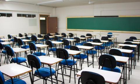 Governo federal avalia flexibilizar cumprimento de 200 dias letivos nas escolas