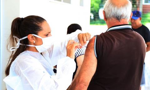 Campanha de Vacinação contra gripe amplia público e segue por agendamento em S. Bárbara