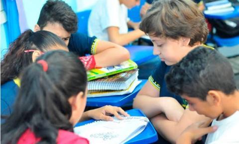 """Bolsonaro diz que enviará projeto contra """"ideologia de gênero"""" nas escolas"""
