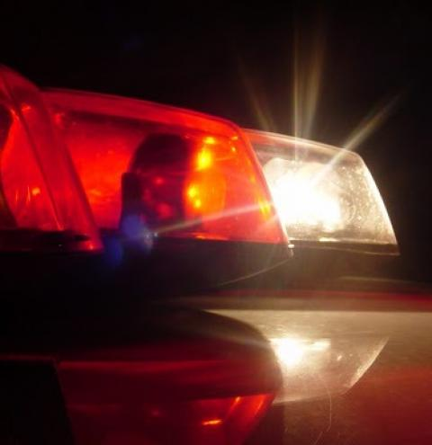 Mulher é morta em frente de casa após reagir a assalto