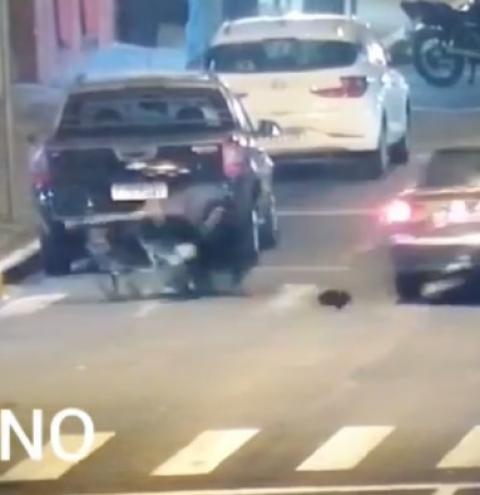 Cadeirante é atropelado ao tentar atravessar a rua em Nova Odessa