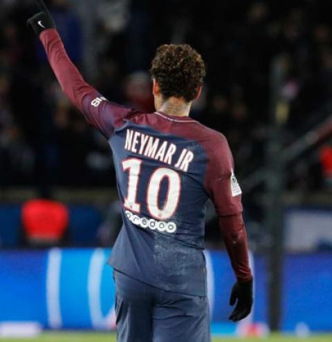 Técnico do PSG diz que clube ainda não definiu se Neymar será operado