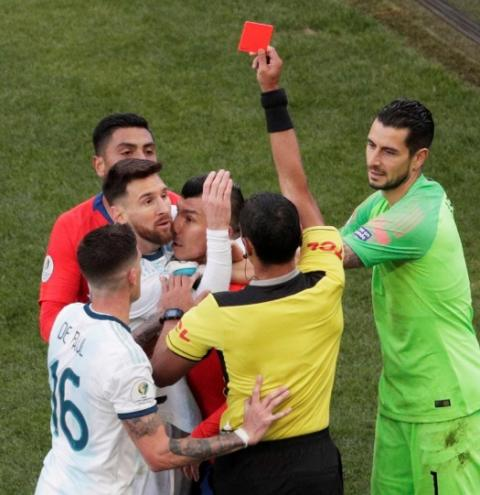 Em nota, Conmebol rebate acusações de Messi: 'É inaceitável'