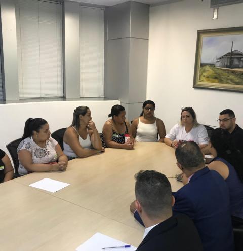 Merendeiras de Hortolândia reivindicam salários e rescisões
